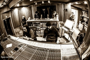 Pop Evil studio